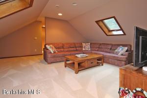 750 W RD, RICHMOND, MA 01254  Photo
