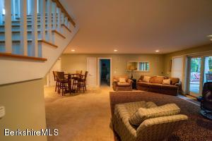 479 PERU RD, HINSDALE, MA 01235  Photo