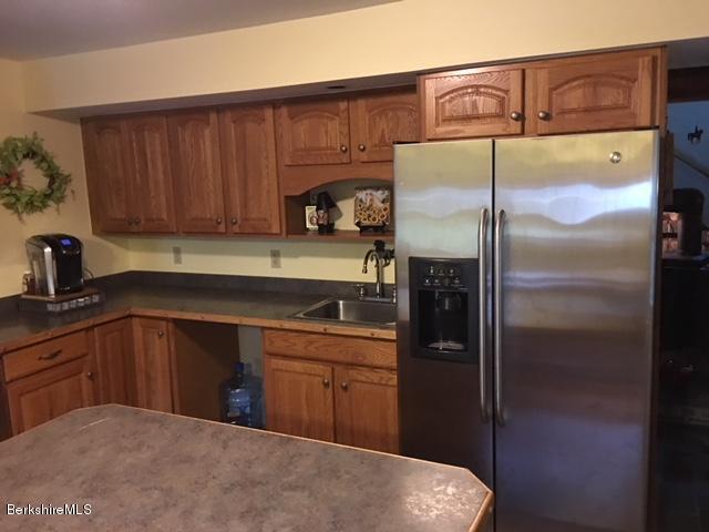 Oak cabinet kitchen
