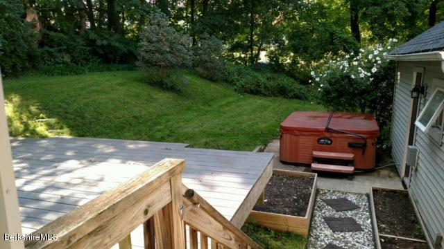 back yard deck and hot tub