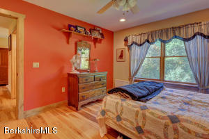 532 GALE AVE, PITTSFIELD, MA 01201  Photo