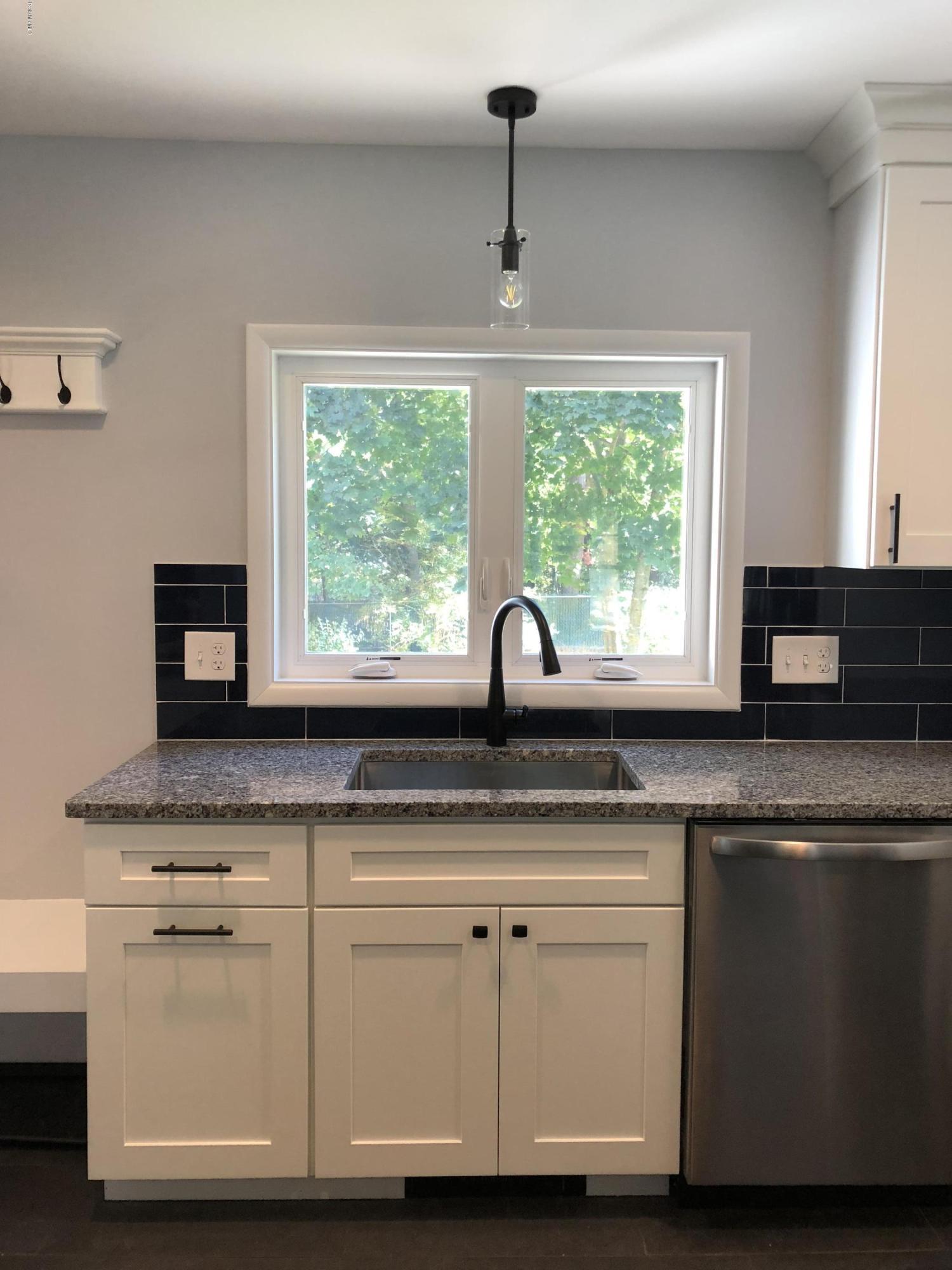 kitchen_to_backyard