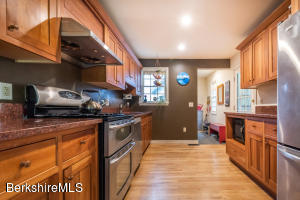 1580 STATE RD, RICHMOND, MA 01254  Photo