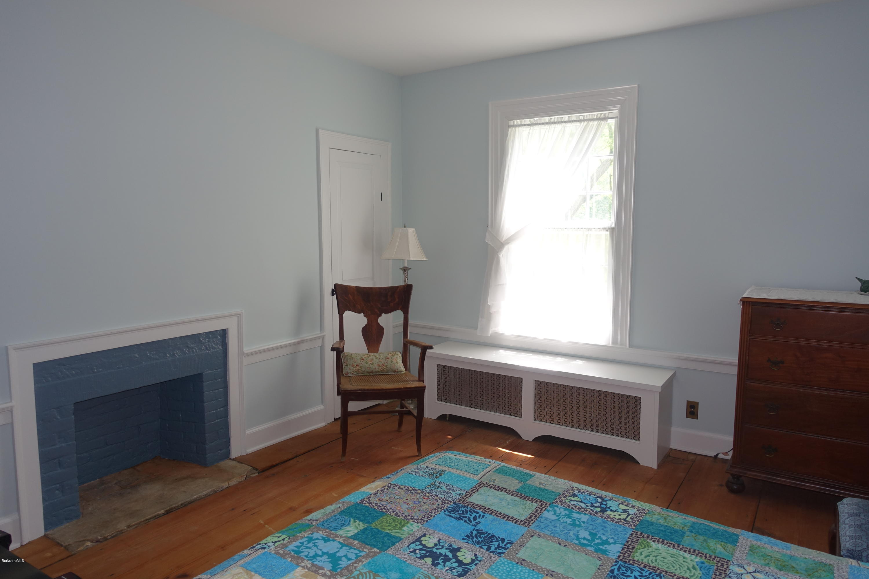 Property located at 905 Hancock Rd Williamstown MA 01267 photo