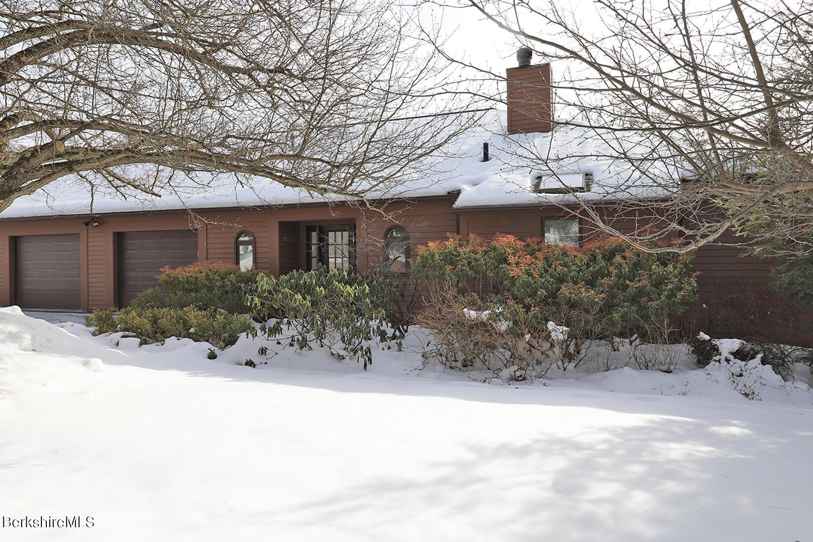 Property located at 19 Hawthorne Rd CV 7-A Stockbridge MA 01262 photo