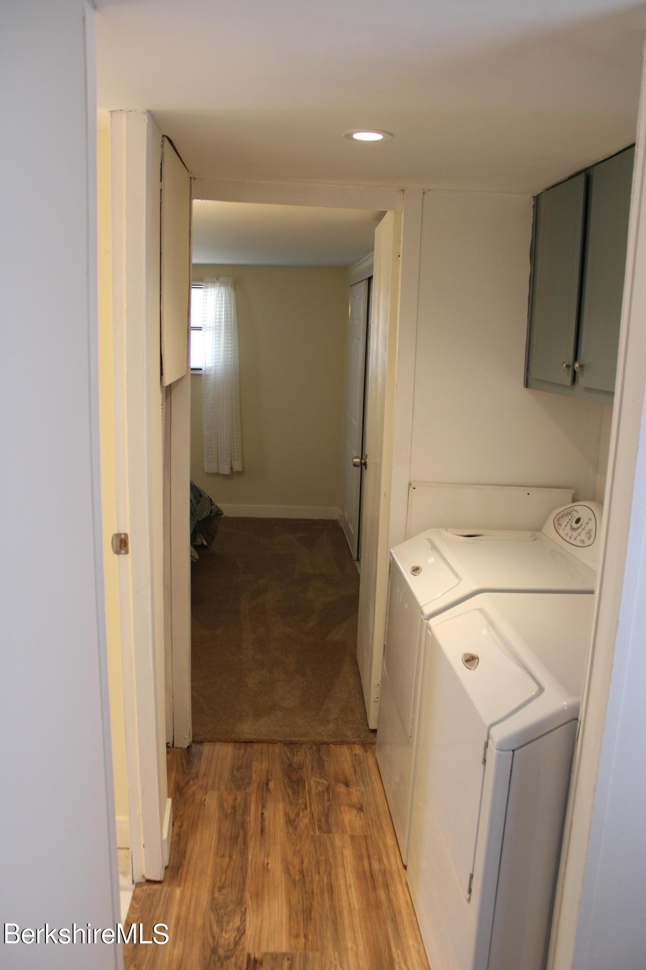 Property located at 7 Lakewood Cir Pittsfield MA 01201 photo