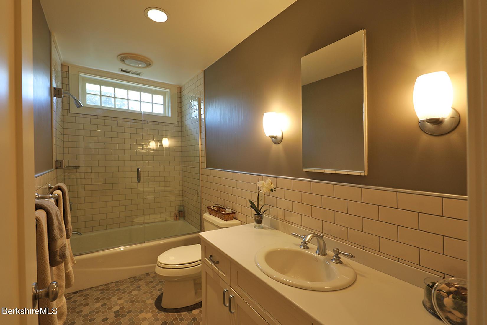 Property located at 17 Mahkeenac Terr Stockbridge MA 01262 photo