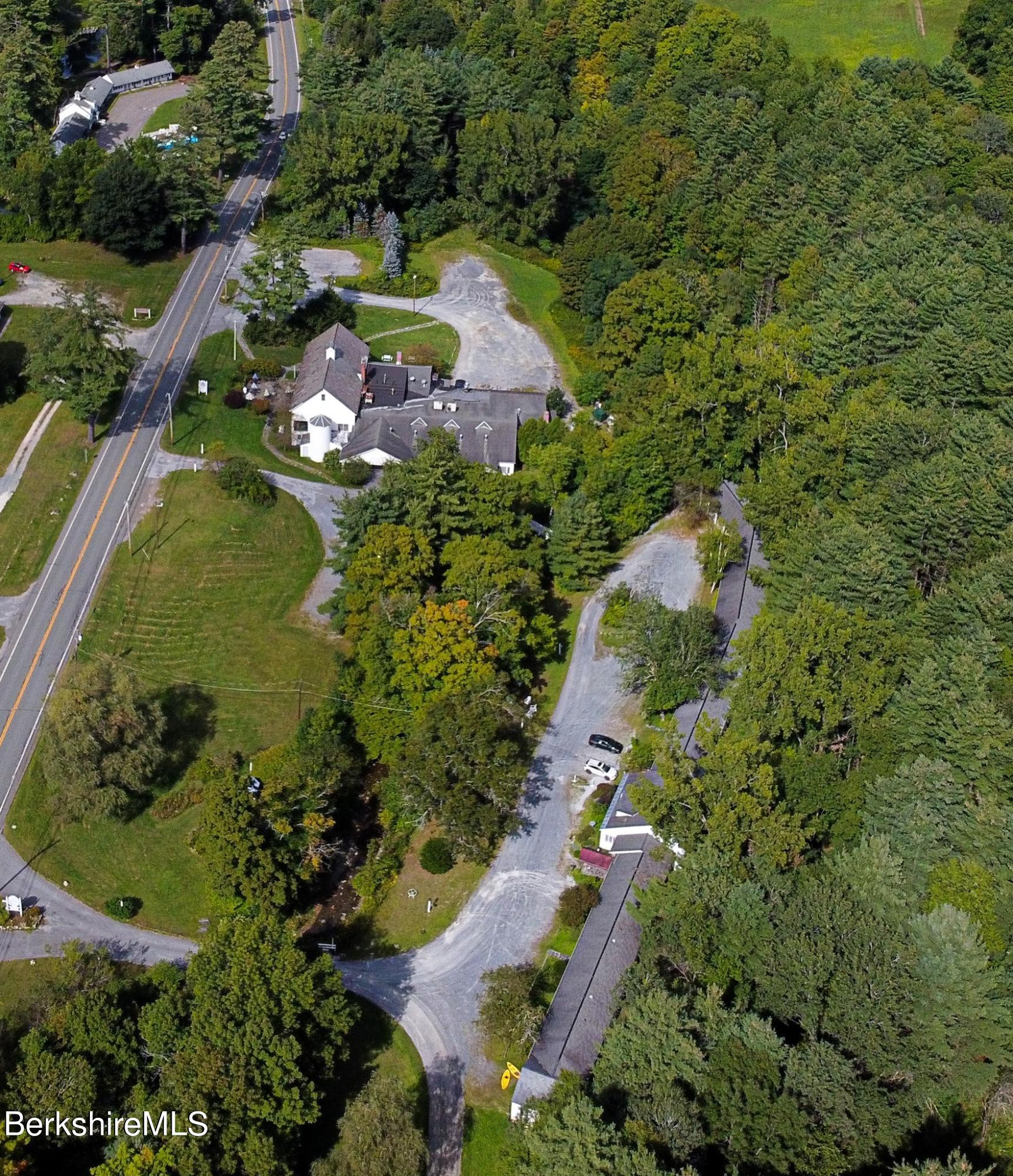 Property located at 910 Cold Spring Rd Williamstown MA 01267 photo