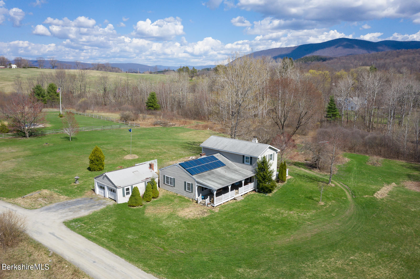 Property located at 118 Sloan Rd Williamstown MA 01267 photo