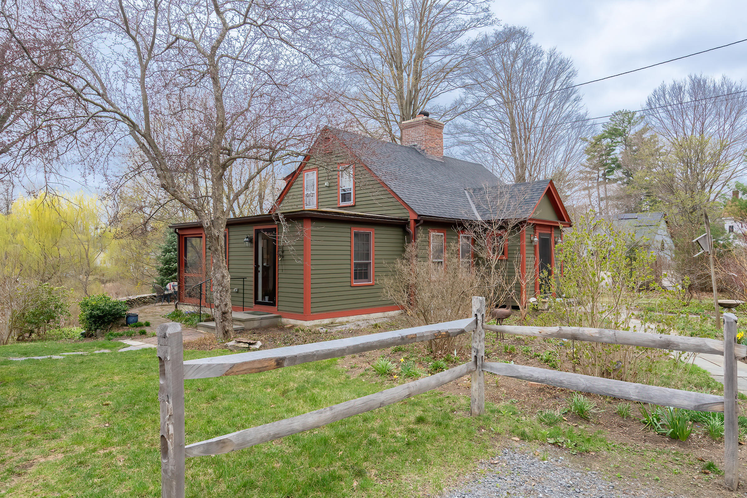 Property located at 24 Maple Ave Sheffield MA 01257 photo