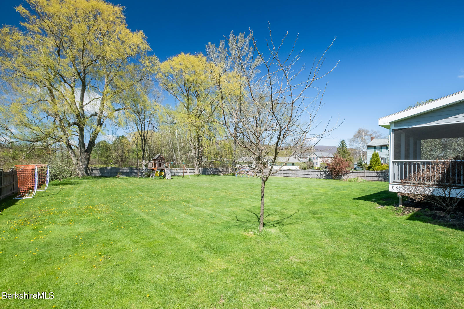 Property located at 30 Candlewood Dr Williamstown MA 01267 photo
