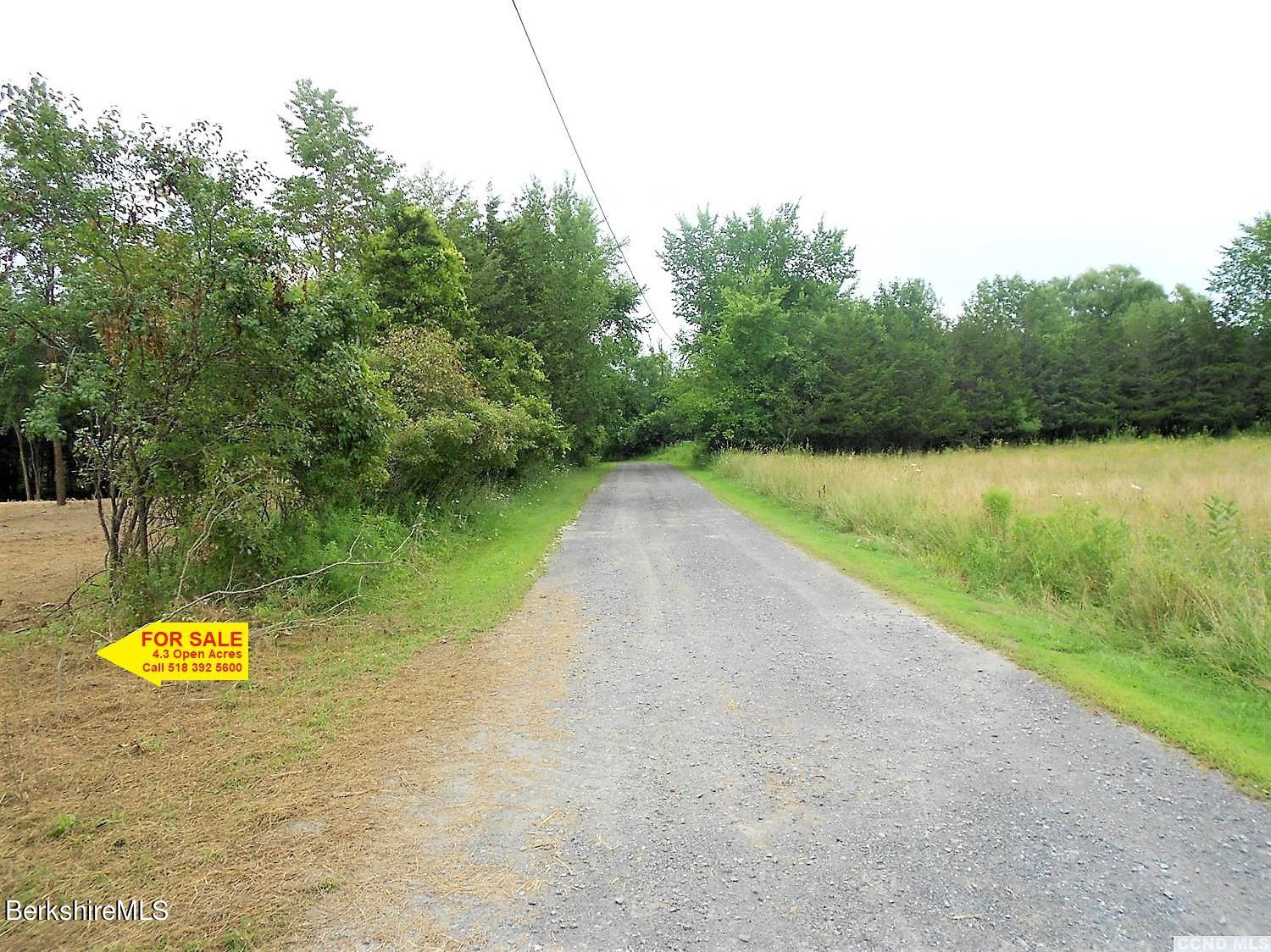 Property located at 4 Fitting Rd Hudson NY 12534 photo
