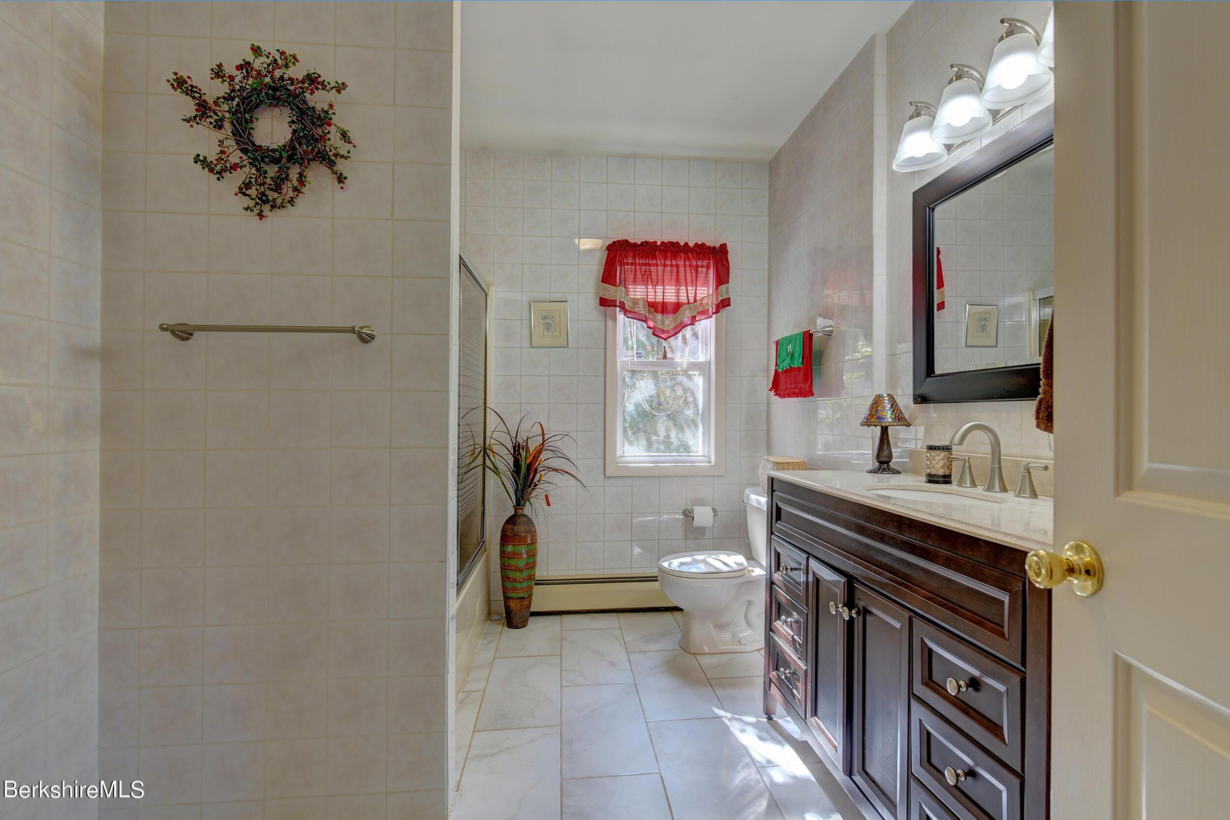 Property located at 160 Bailey Rd Lanesborough MA 01237 photo