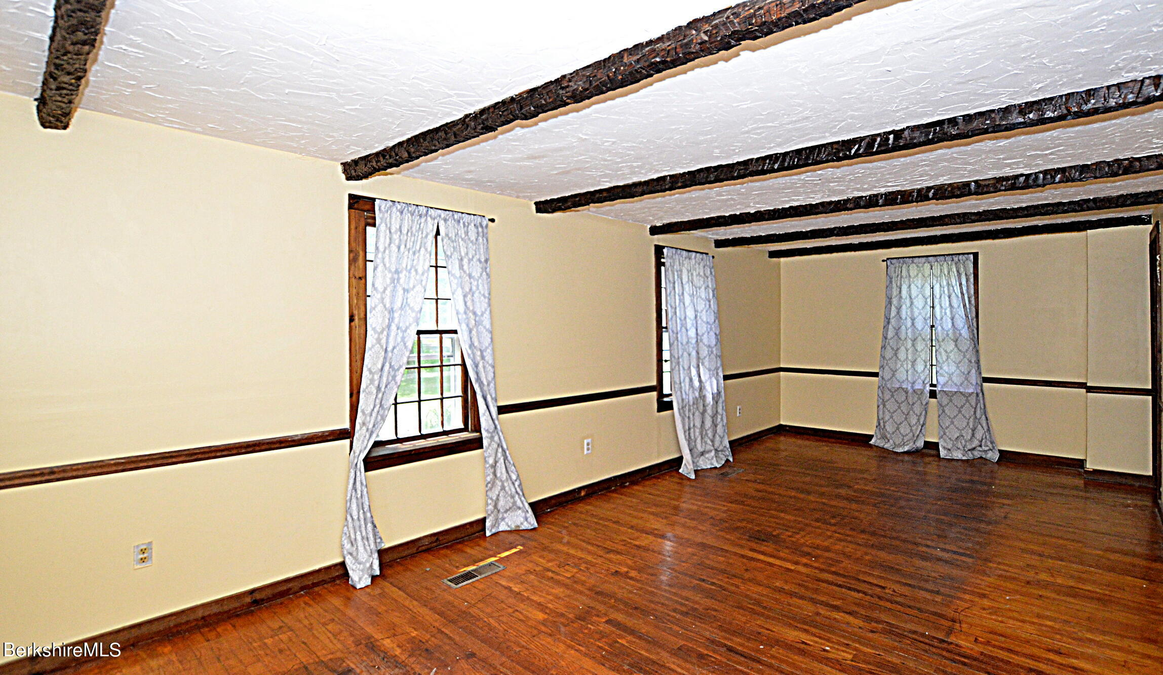 Property located at 25 Bell Rd Middlefield MA 01243 photo