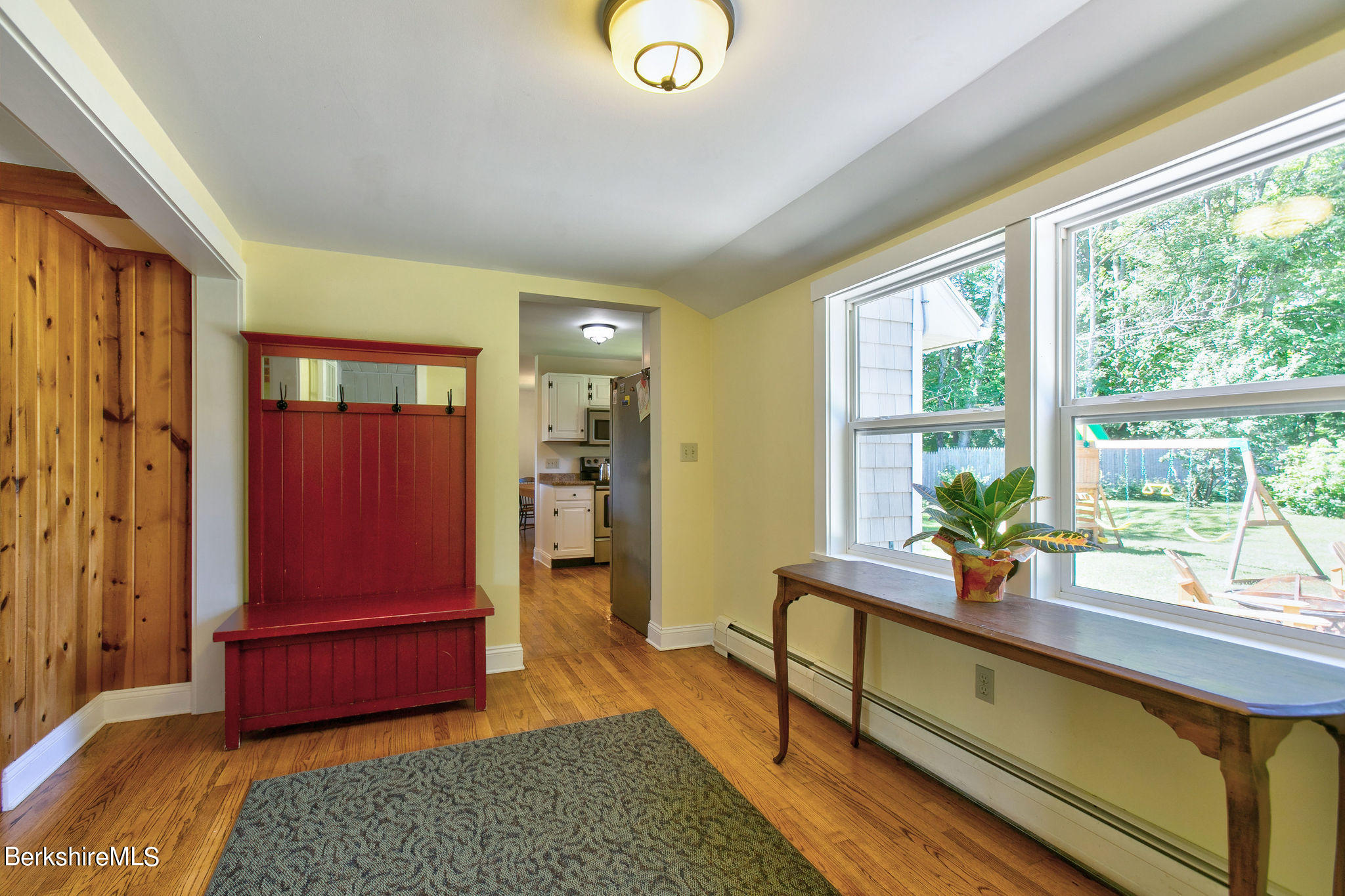 Property located at 4 Lukeman Ln Stockbridge MA 01262 photo
