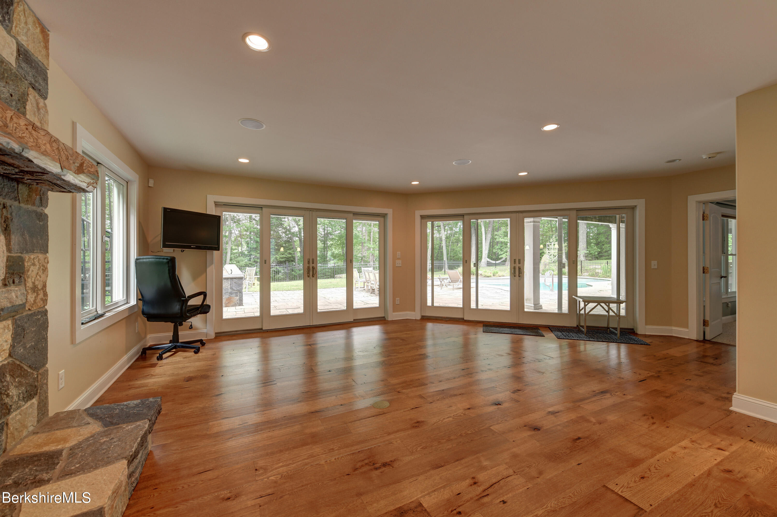 Property located at 479 Peru Rd Hinsdale MA 01235 photo