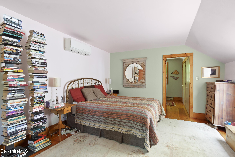Property located at 49 Knapp Hollow Ln Hillsdale NY 12529 photo