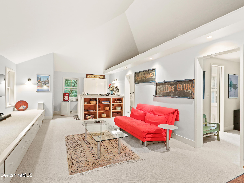 Property located at 1 Lahey Cross Rd Stockbridge MA 01262 photo