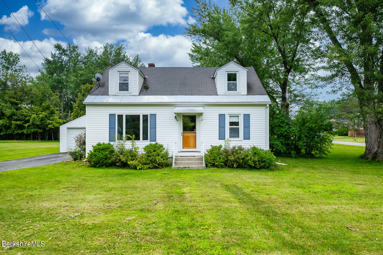 61 Luce Rd Williamstown MA 01267