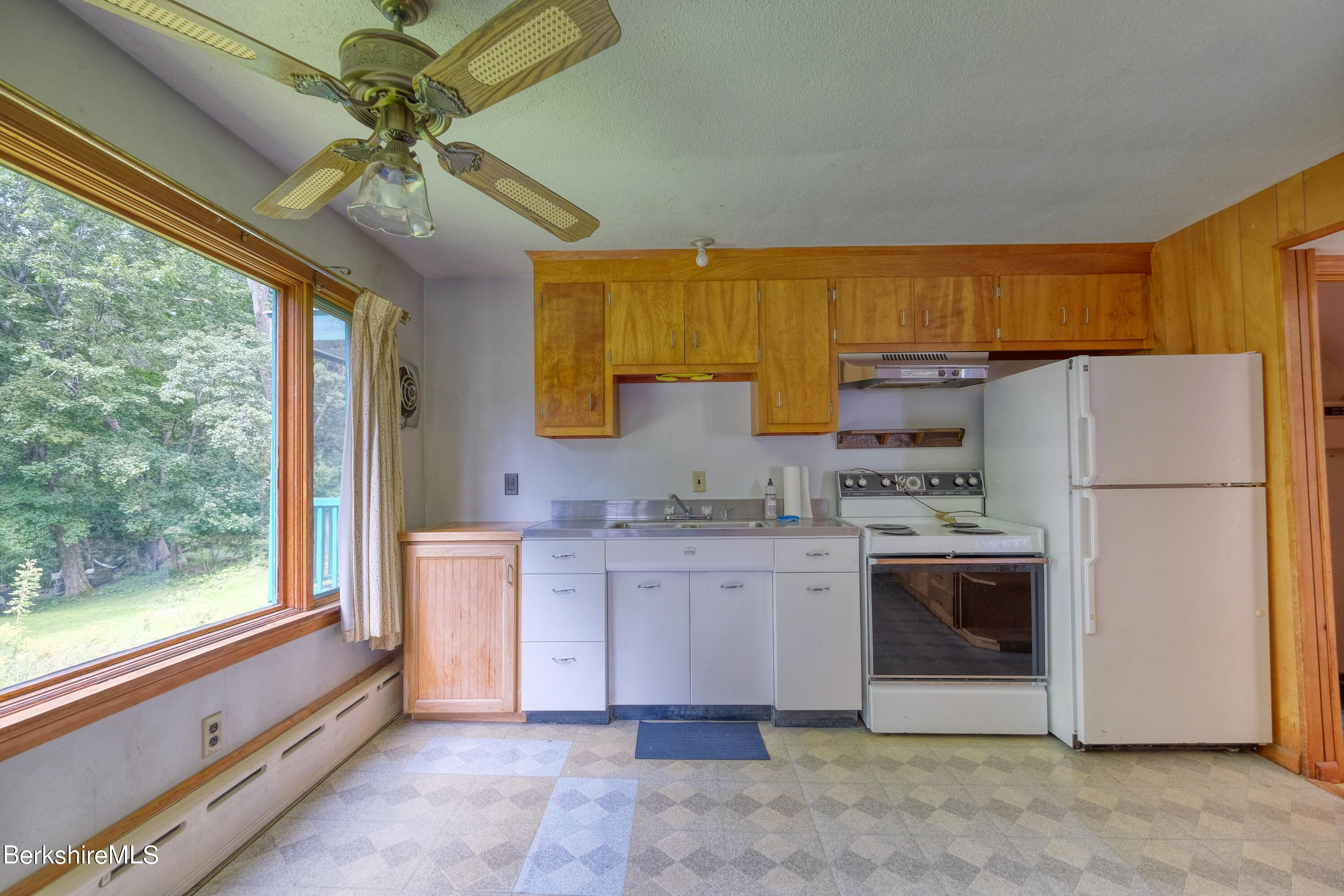 Property located at 165-167 Brown St  Pittsfield MA 01201 photo