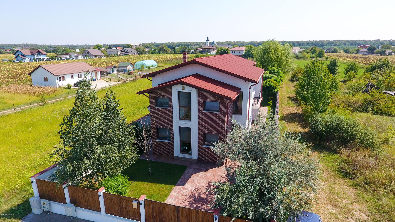 Vanzare Casa 220 m²