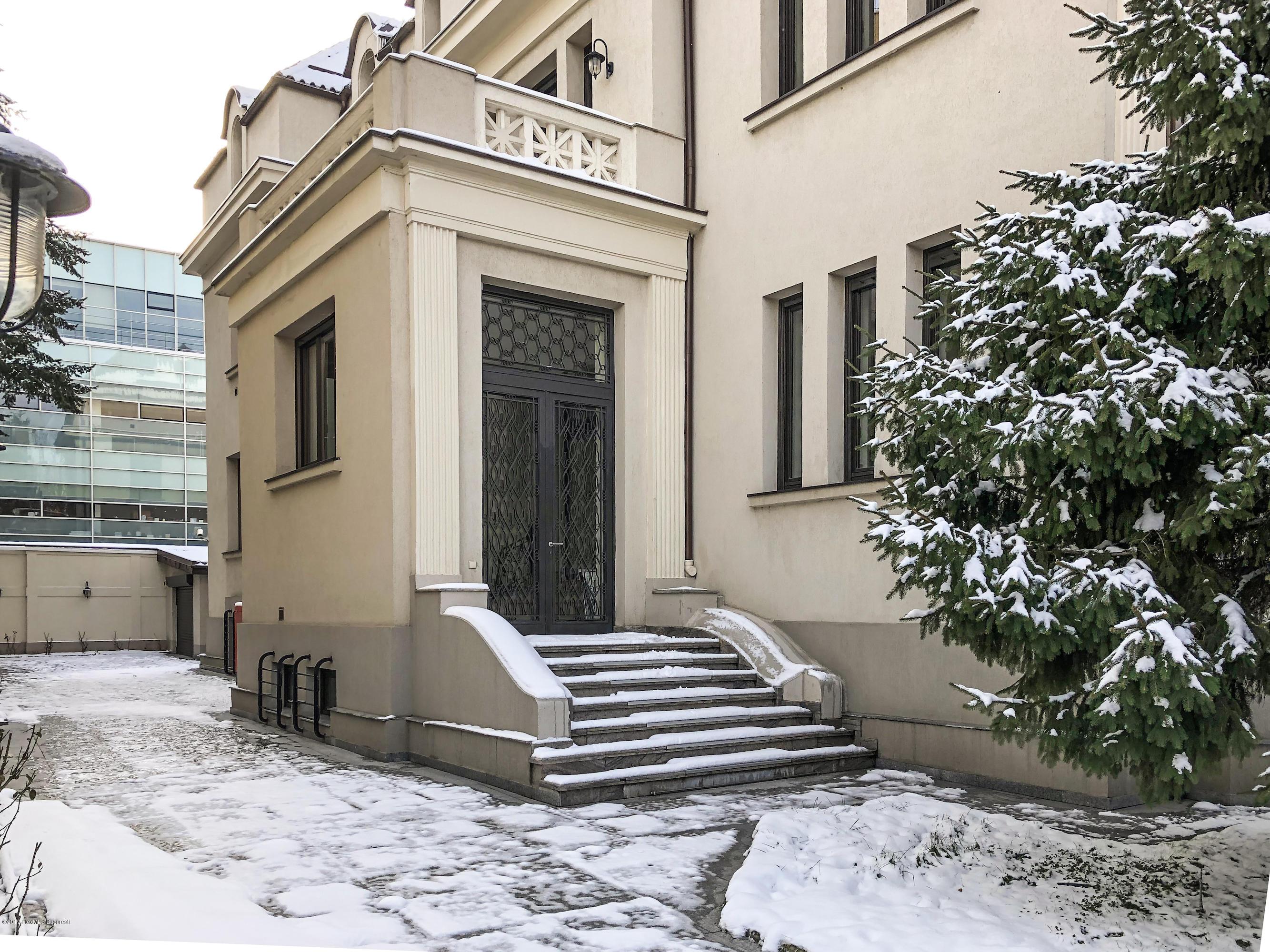 Vanzare Casa 800 m²