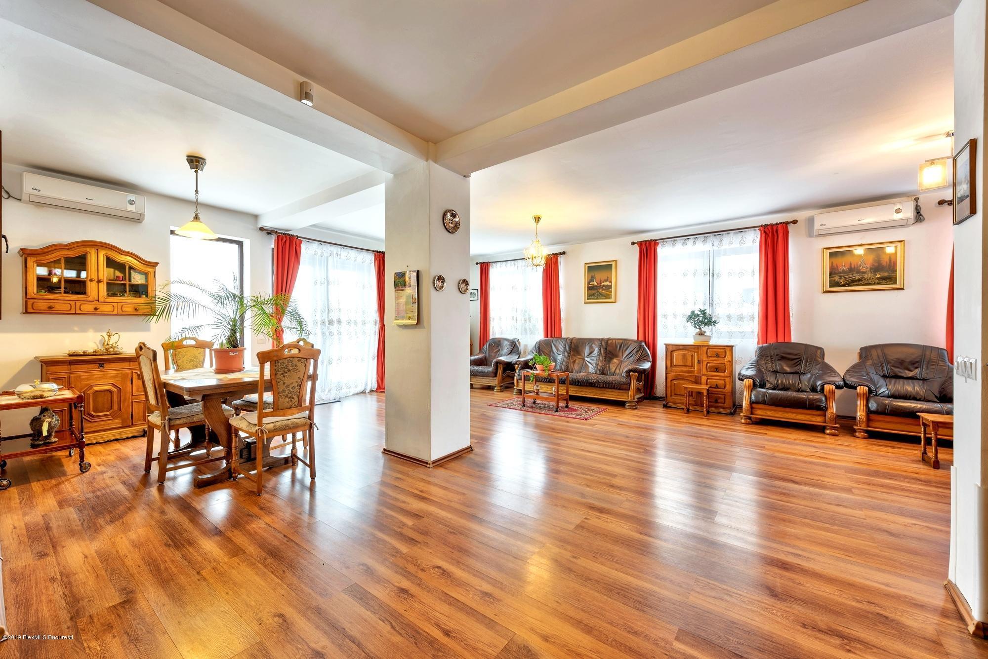 Inchiriere Apartament 5 camere