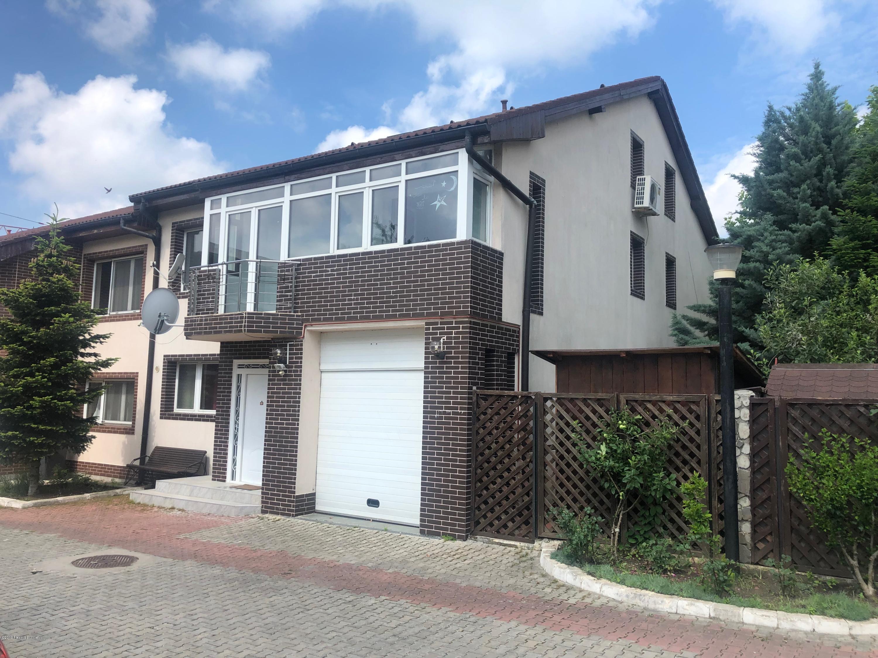 Vanzare Casa 238 m²