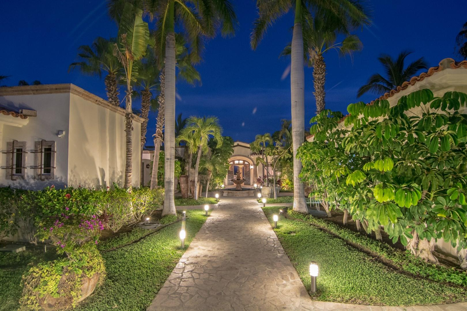 San Jose Corridor, 5 Bedrooms Bedrooms, ,5 BathroomsBathrooms,House,For Sale,Vialidad Caleta Palmilla,16-1073