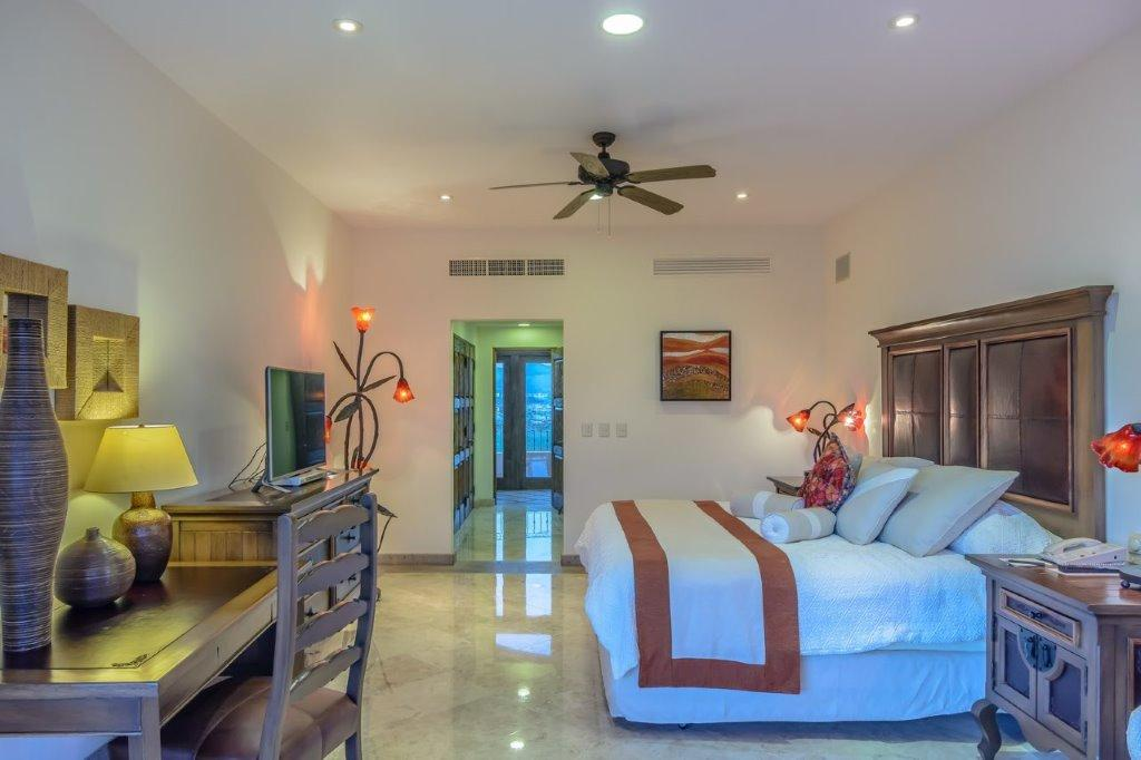 Cabo San Lucas, 3 Bedrooms Bedrooms, 10 Rooms Rooms,4 BathroomsBathrooms,Condo,For Sale,Km 0.5 Camino Viejo a San Jose,16-2402