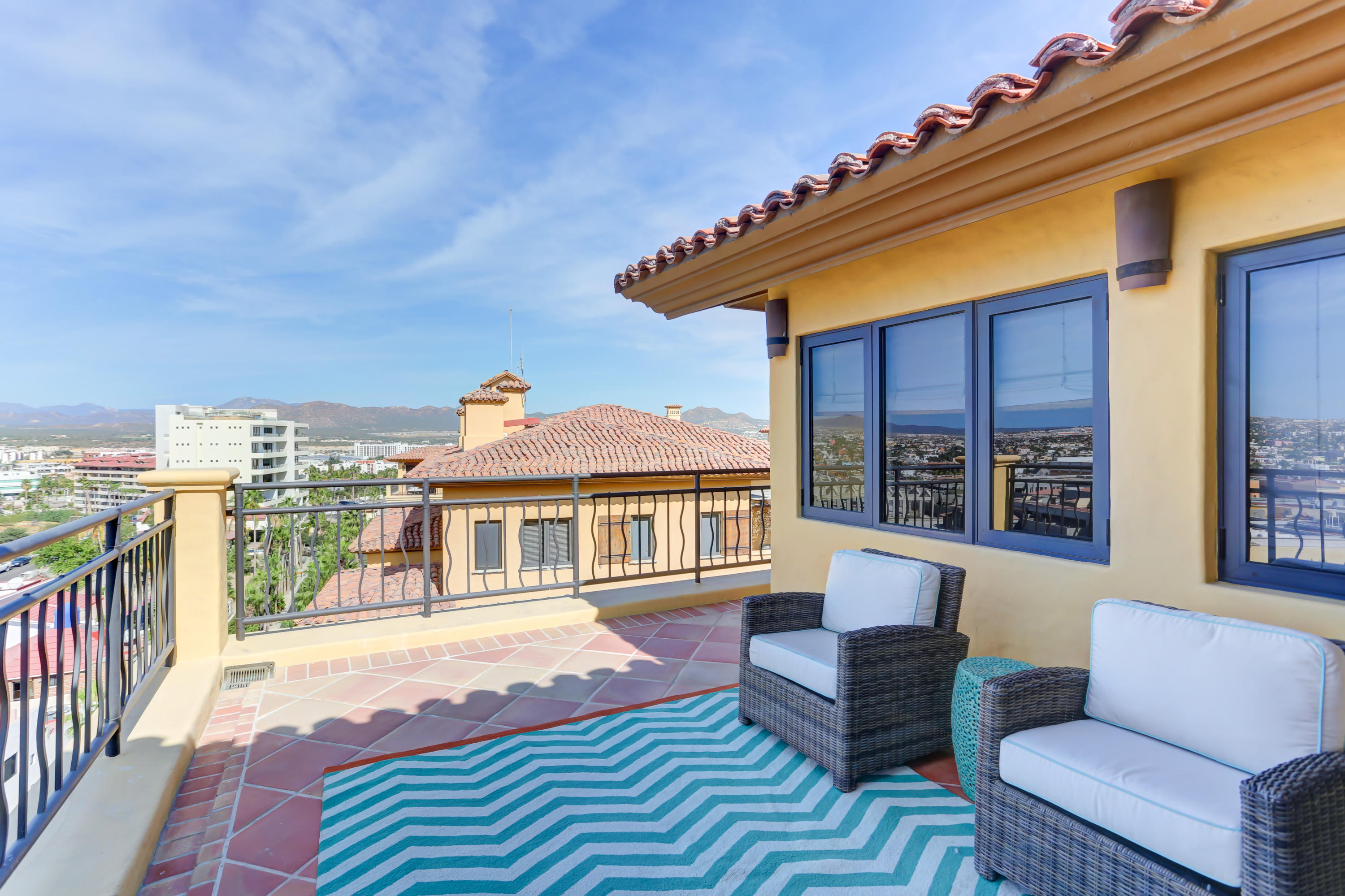 Cabo San Lucas, 4 Bedrooms Bedrooms, 12 Rooms Rooms,4 BathroomsBathrooms,Condo,For Sale,El Medano Beach,16-2146