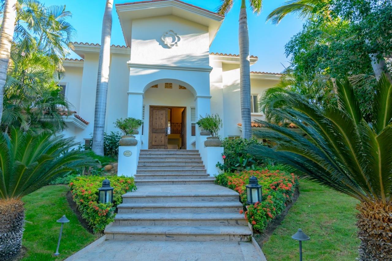 San Jose Corridor, 5 Bedrooms Bedrooms, ,5 BathroomsBathrooms,House,For Sale,VDM Villa 212,17-2319