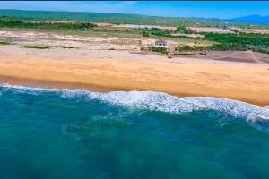 FRONT OCEAN LAND  TODOSANTOS