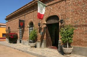 Todos Santos Historic Estates
