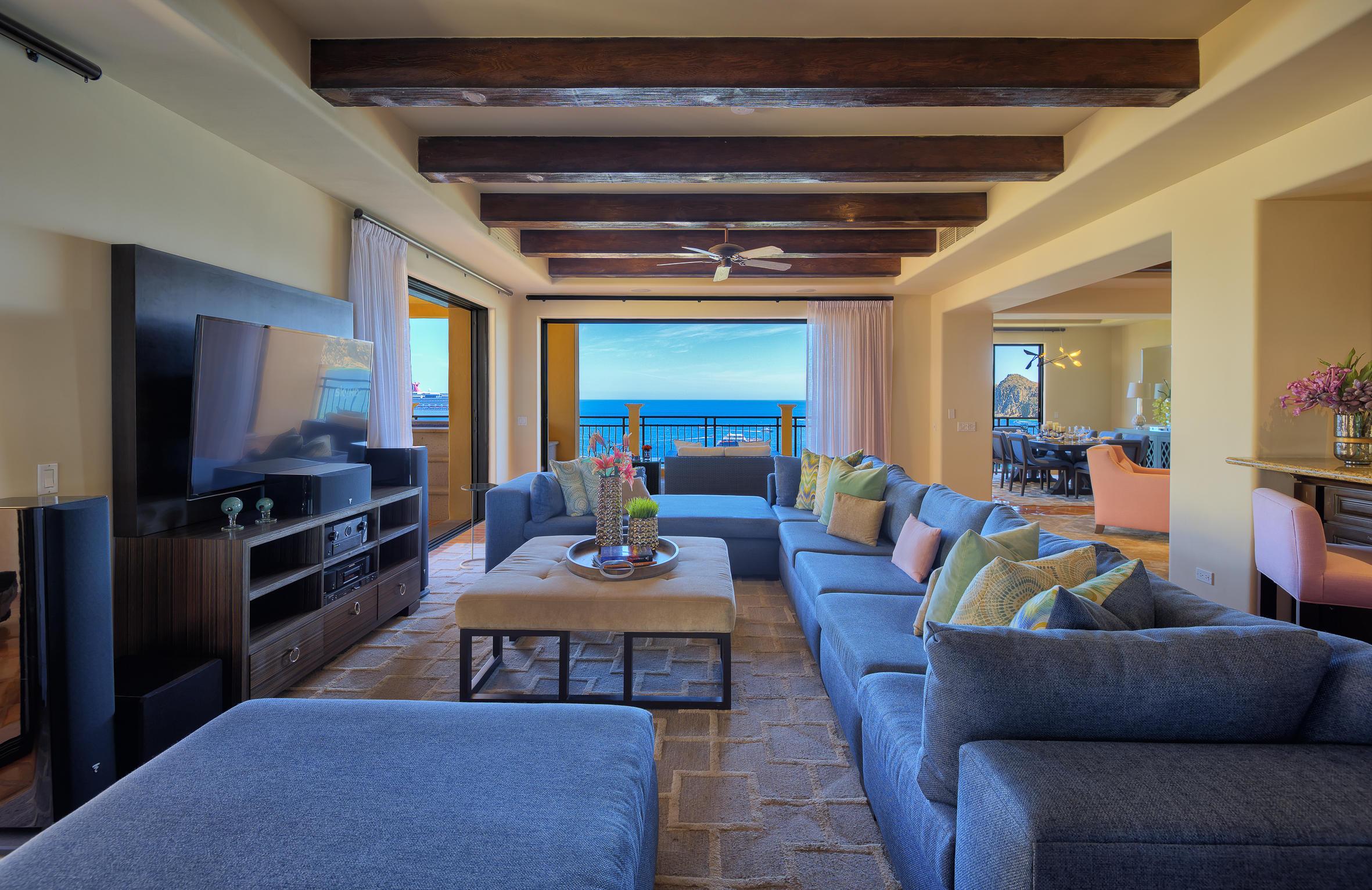 Hacienda Penthouse 3501-5