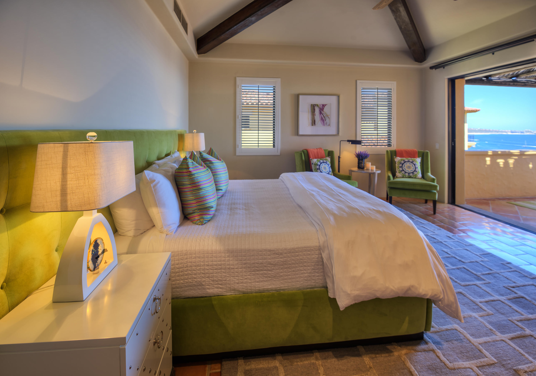 Hacienda Penthouse 3501-6