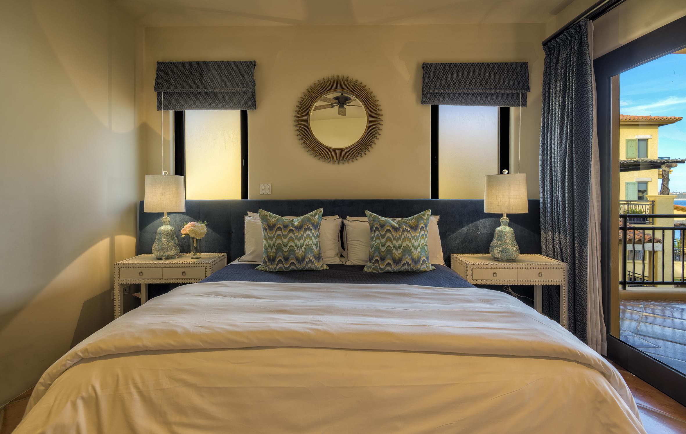 Hacienda Penthouse 3501-13
