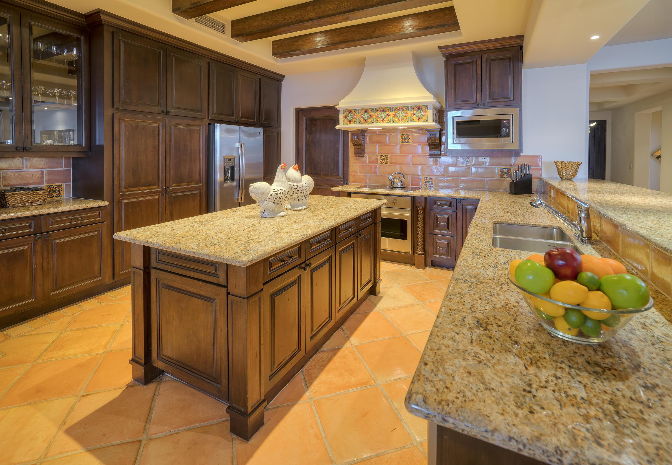Hacienda Penthouse 3501-20