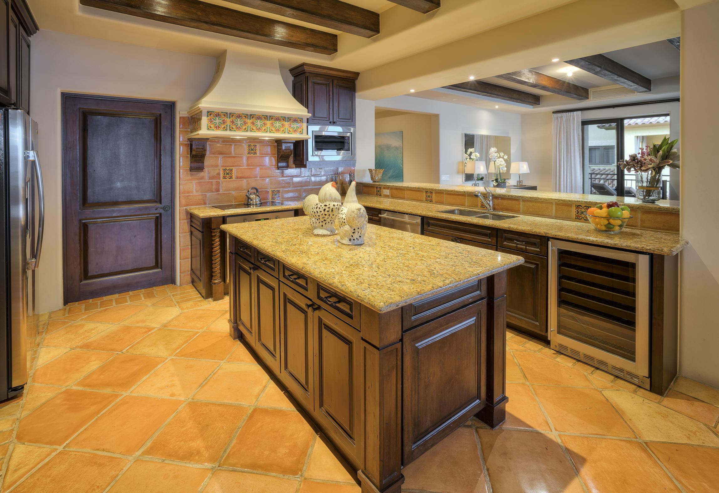 Hacienda Penthouse 3501-26