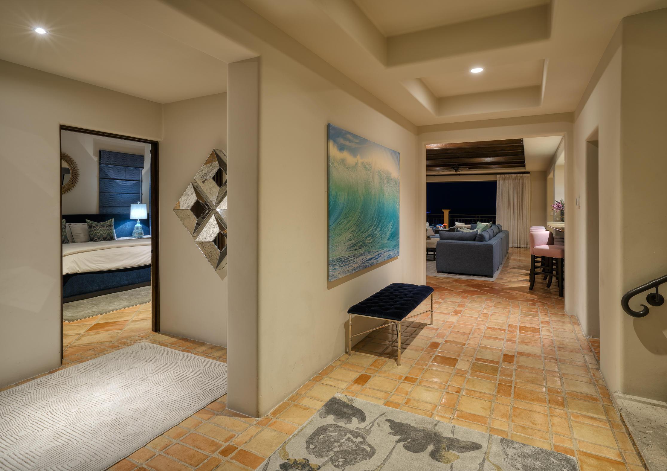Hacienda Penthouse 3501-28