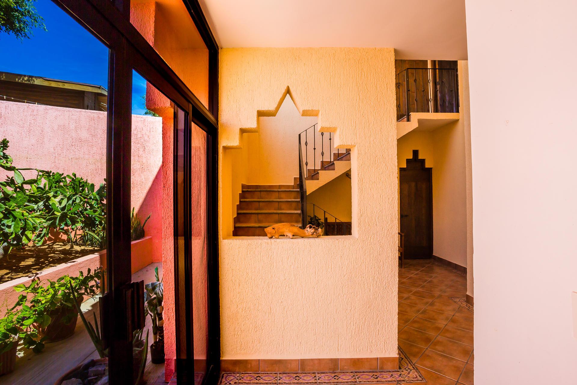 Casa Azteca,-27