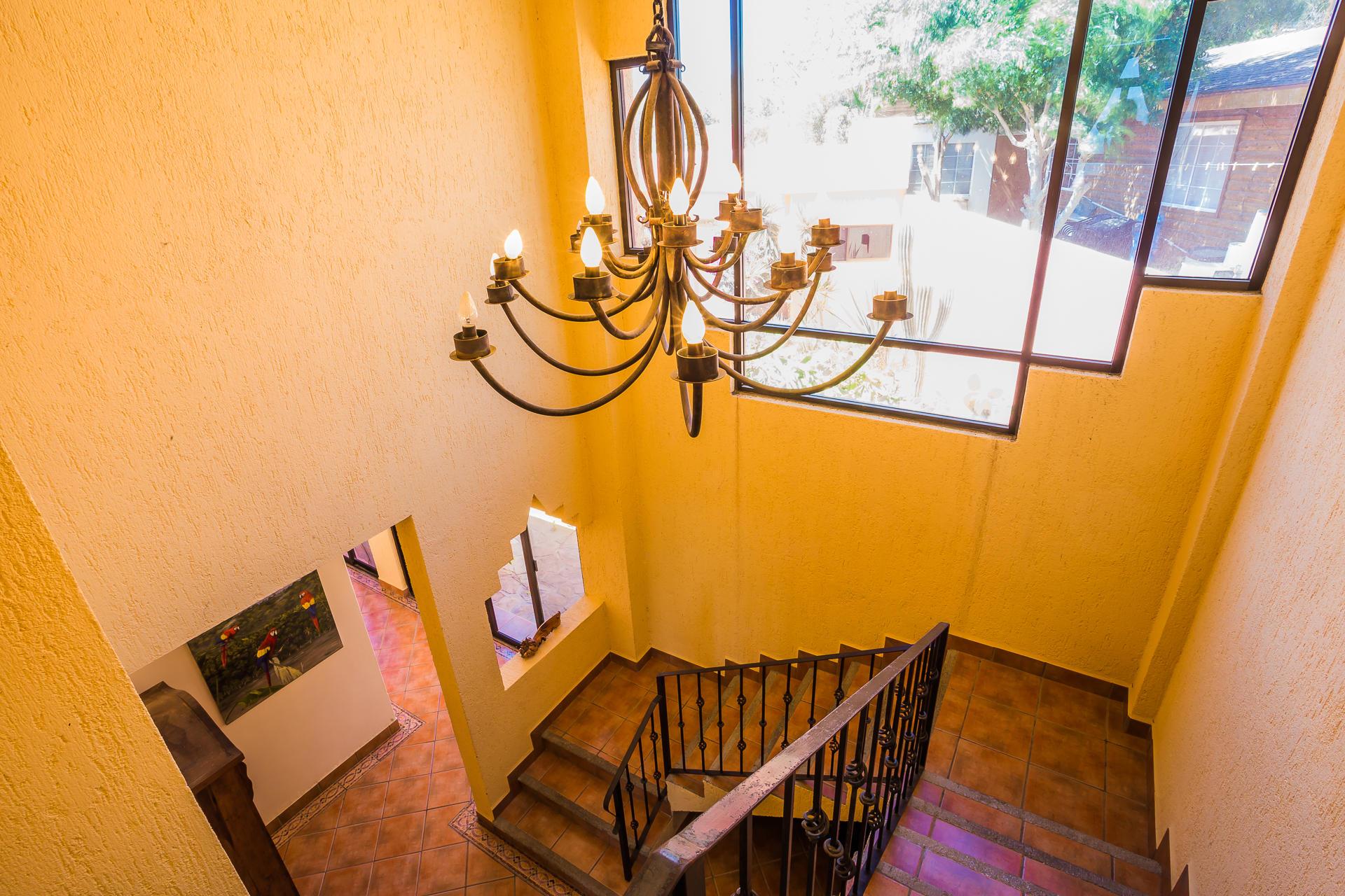 Casa Azteca,-33