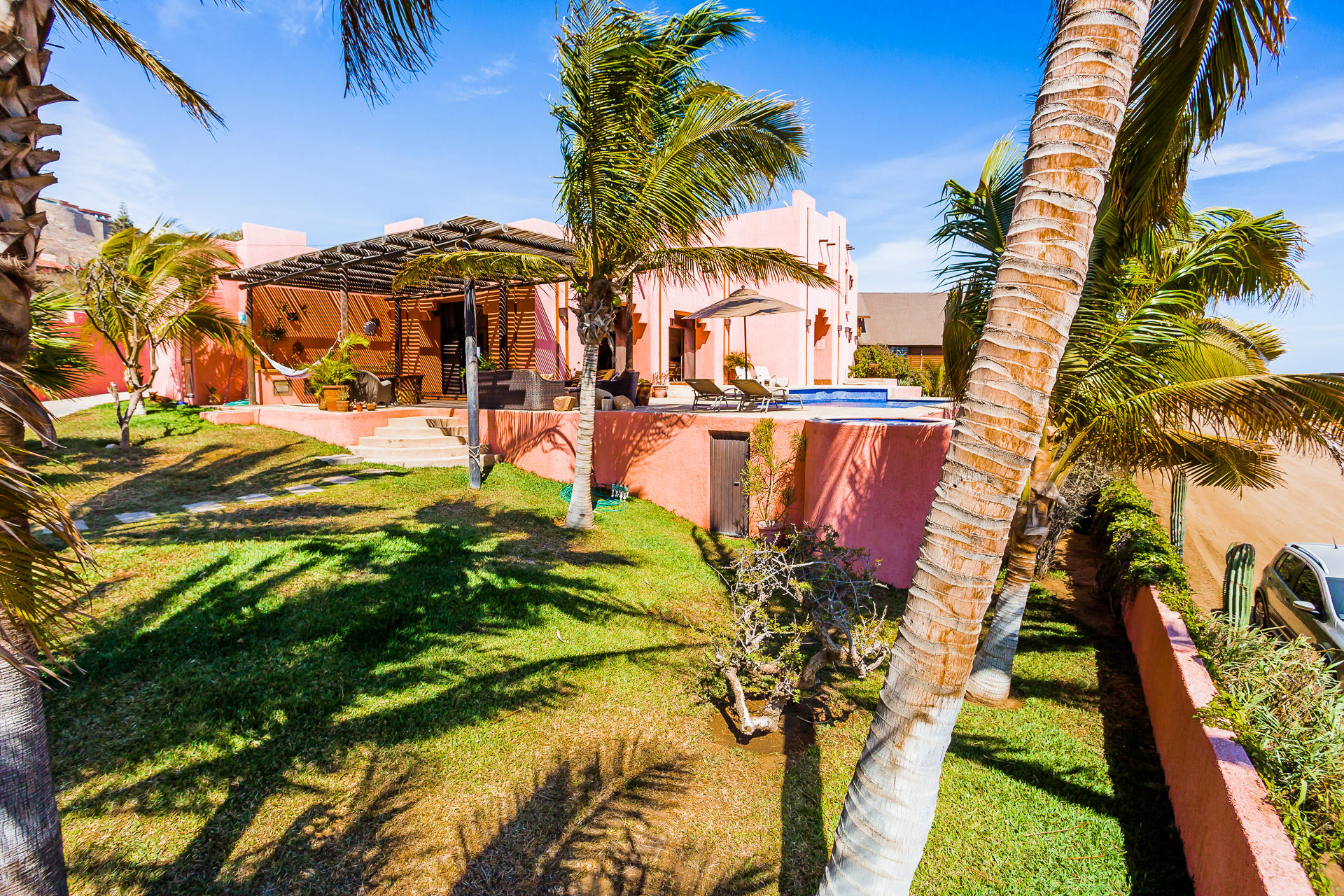 Casa Azteca,-37