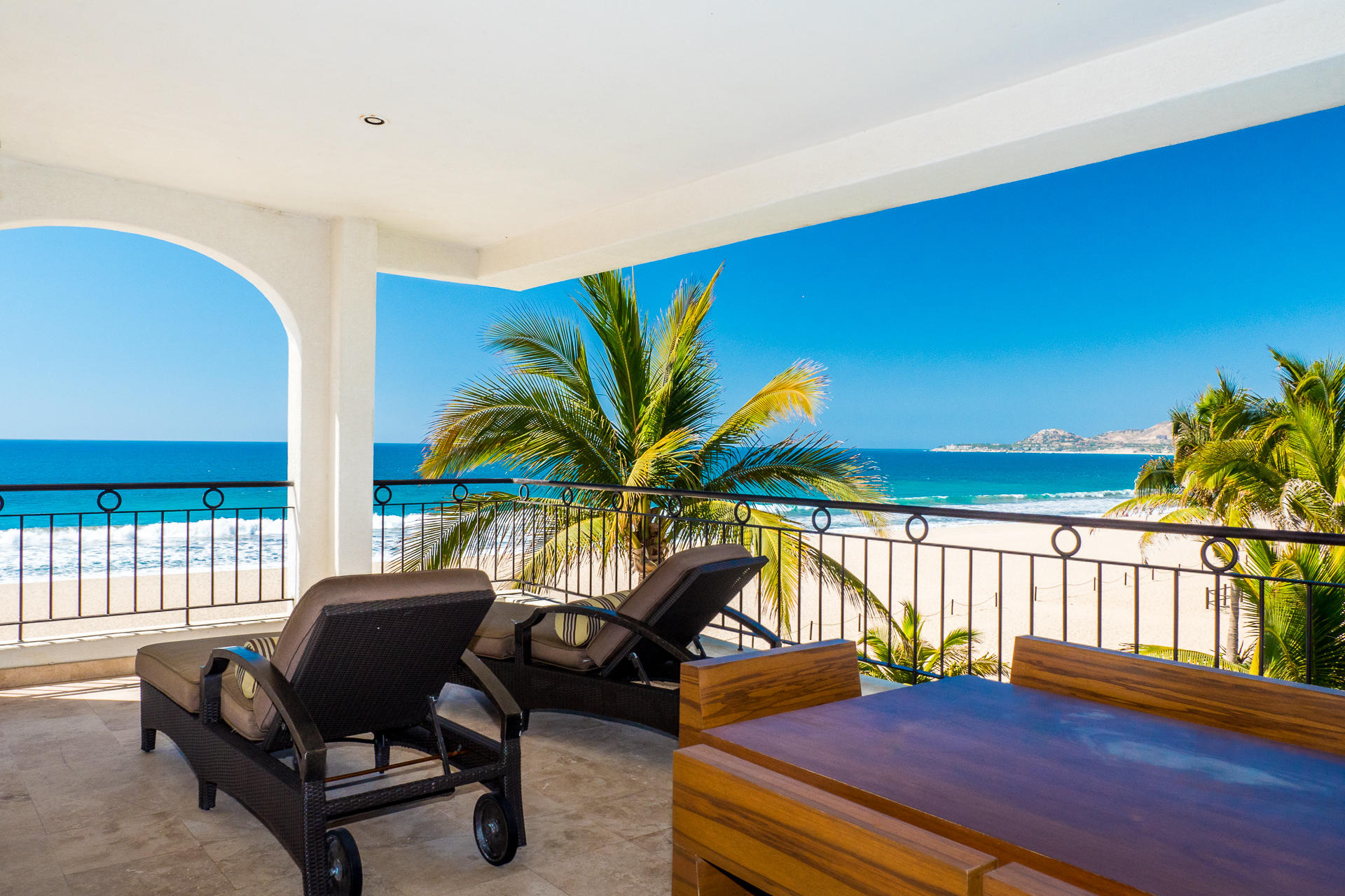 Ocean Front Villa-10
