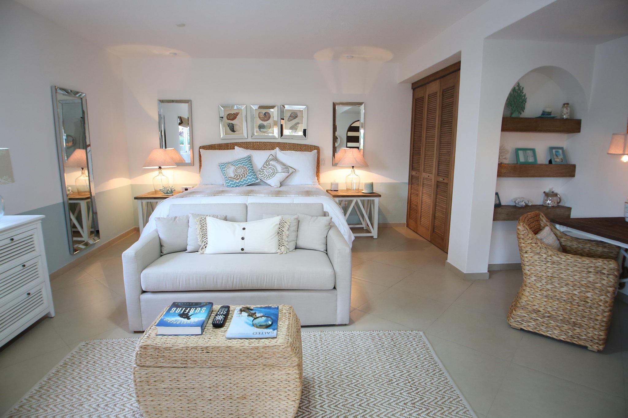 Cabo San Lucas, 4 Bedrooms Bedrooms, ,3 BathroomsBathrooms,House,For Sale,465 Camino Del Mar Norte,18-925