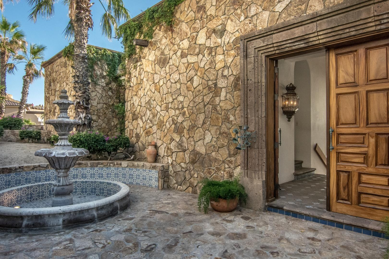 Cabo San Lucas, 5 Bedrooms Bedrooms, ,4 BathroomsBathrooms,House,For Sale,Callejon Calafia,18-1757