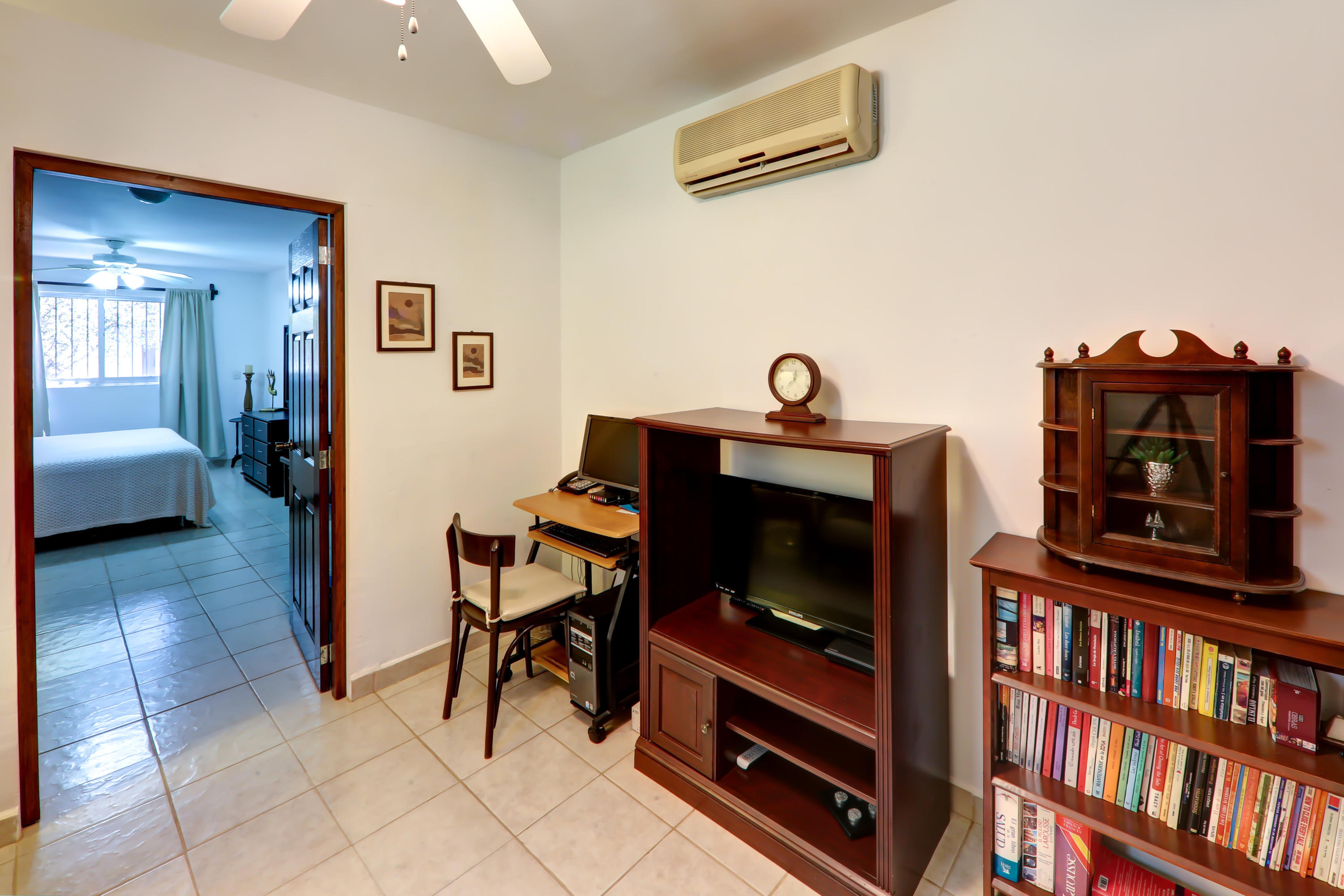 Single Level 2 Bedroom Home-14
