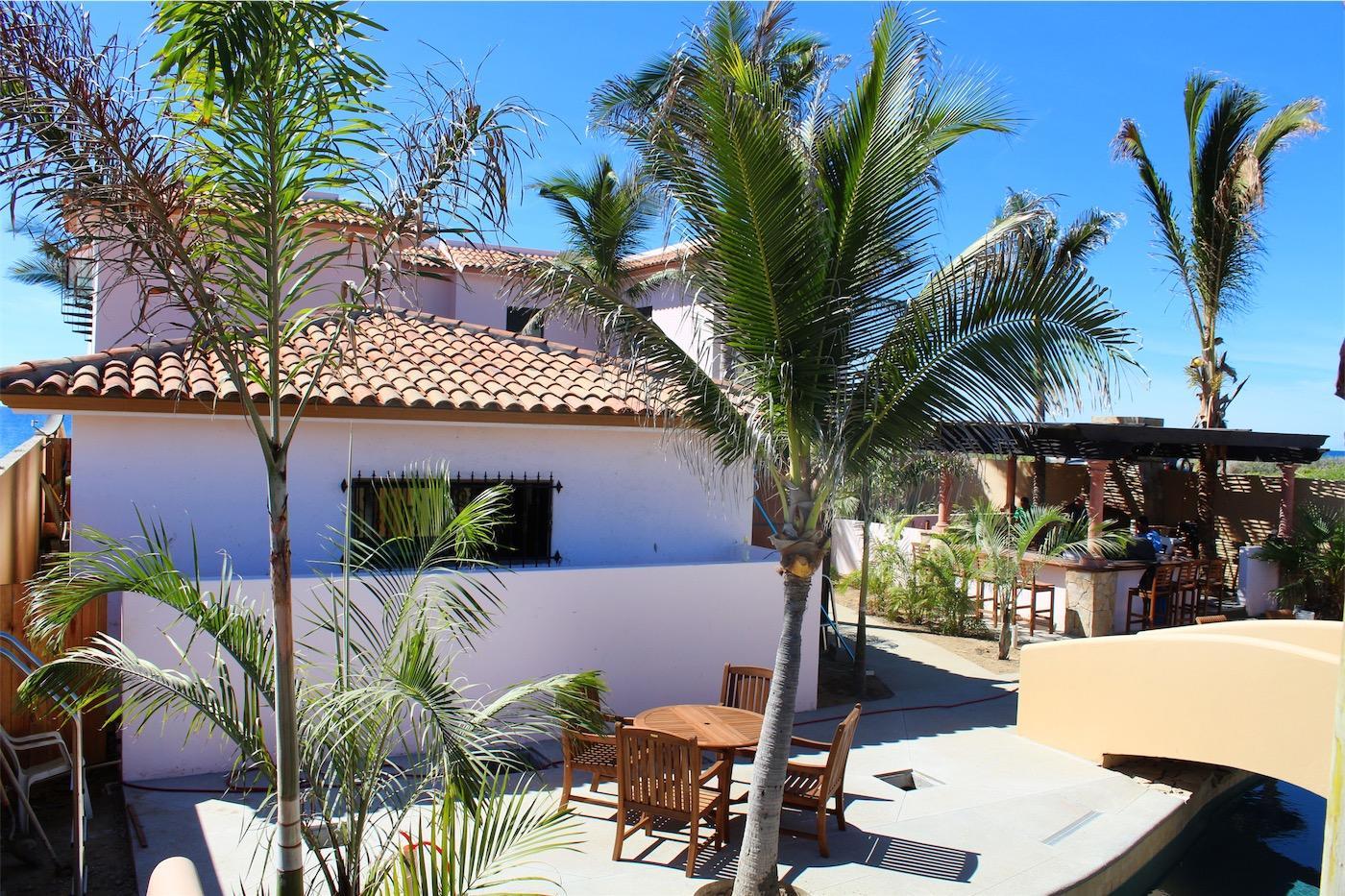 50% of Cerritos Beach Inn