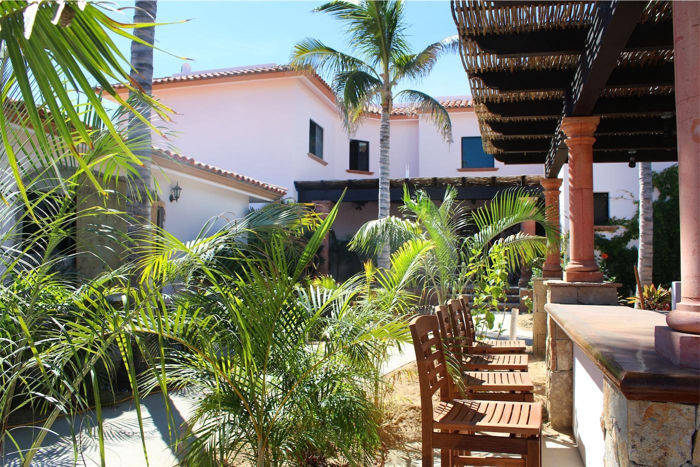 50% of Cerritos Beach Inn-1