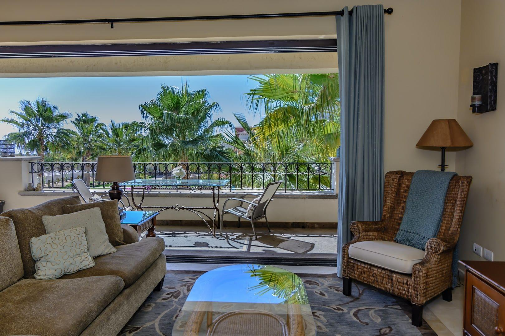 San Jose del Cabo, 3 Bedrooms Bedrooms, ,2 BathroomsBathrooms,Condo,For Sale,Villas de Mexico,18-2026